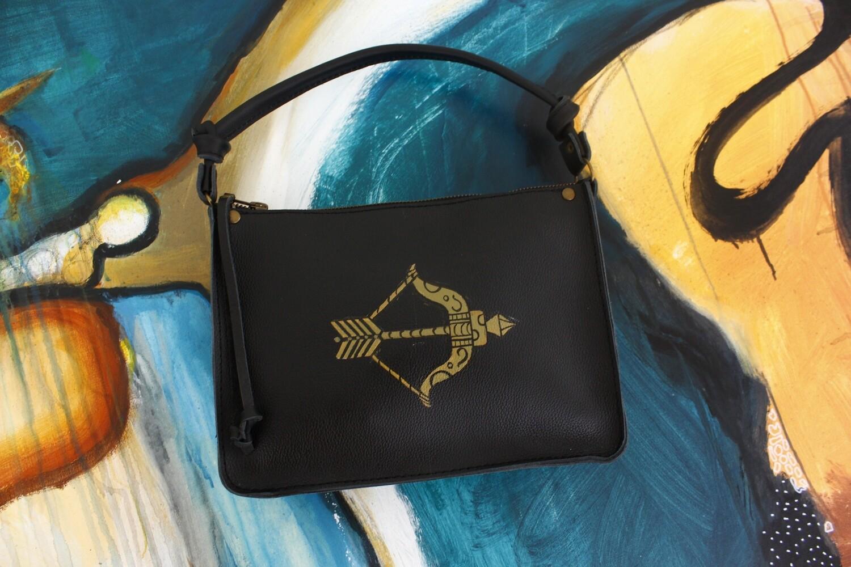 bestMark მხრის ჩანთა 25×18×7 cm Shoulder Bag