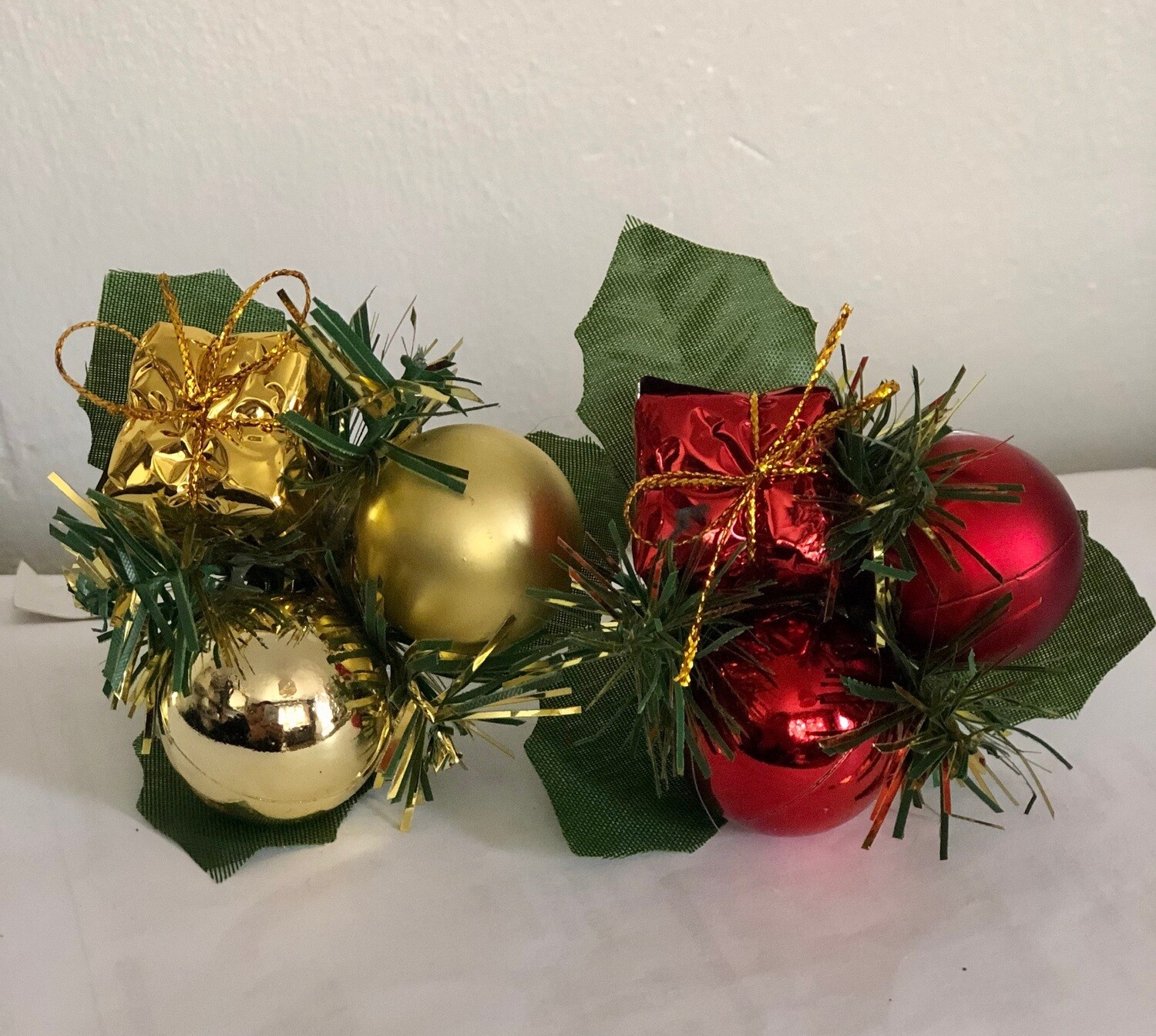 Bauble and Present Pick