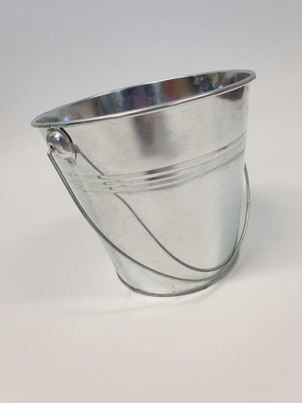 Galvanised Zinc Bucket With Handle