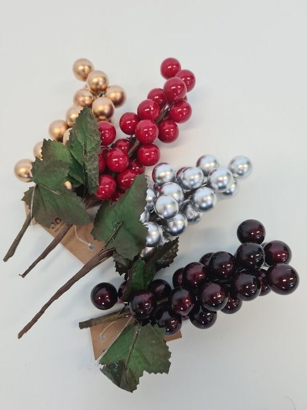 Grape Cluster Picks