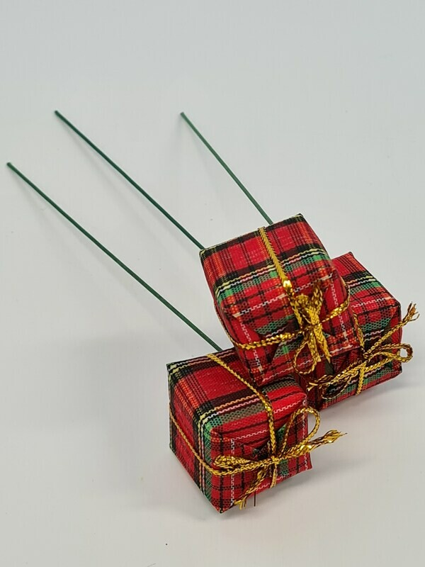 Presents on wire