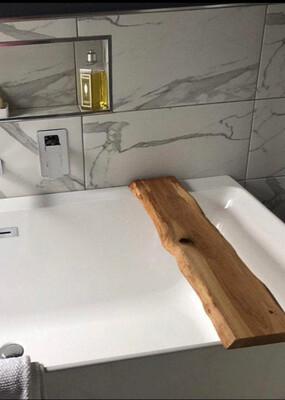 Live Edge Solid Brown Oak wood Bespoke Rustic Bath Caddy Tray Tablet wine glass Holder