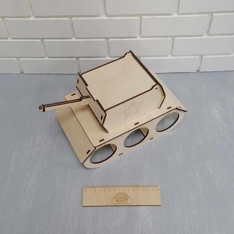 Коробка Танк 26х15х17 см фанера 4