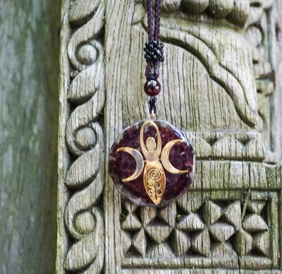 Orgone Gaia Pendant in Garnet