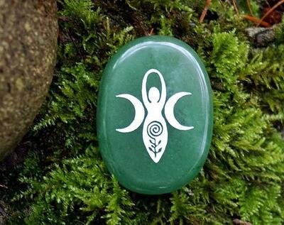 Gaia Palm Stone in Green Aventurine
