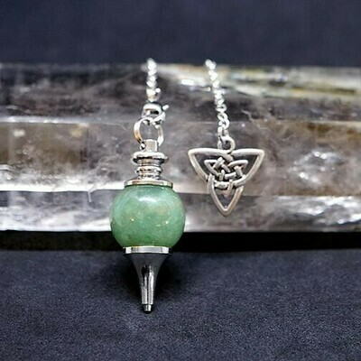 Celtic Knot in Green Aventurine Pendulum