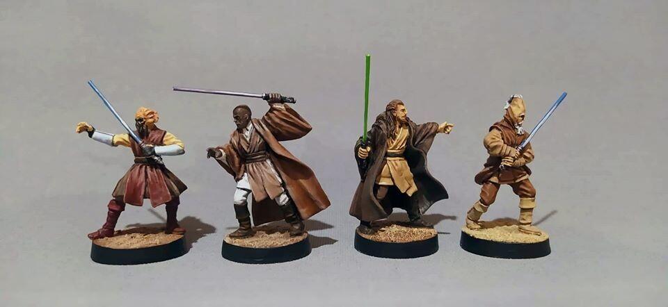 5 JEDIs : Mace Windu,Plo Koon,Ki-Adi-Mundi,Qui-Gon Jinn. Kit Fisto