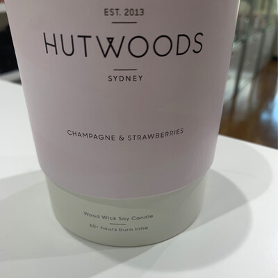 Hutwoods Candle - Champagne & Strawberries