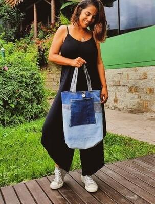 Bolsas Upcycling @armariocoletivofloripa (Jeans Reaproveitado)