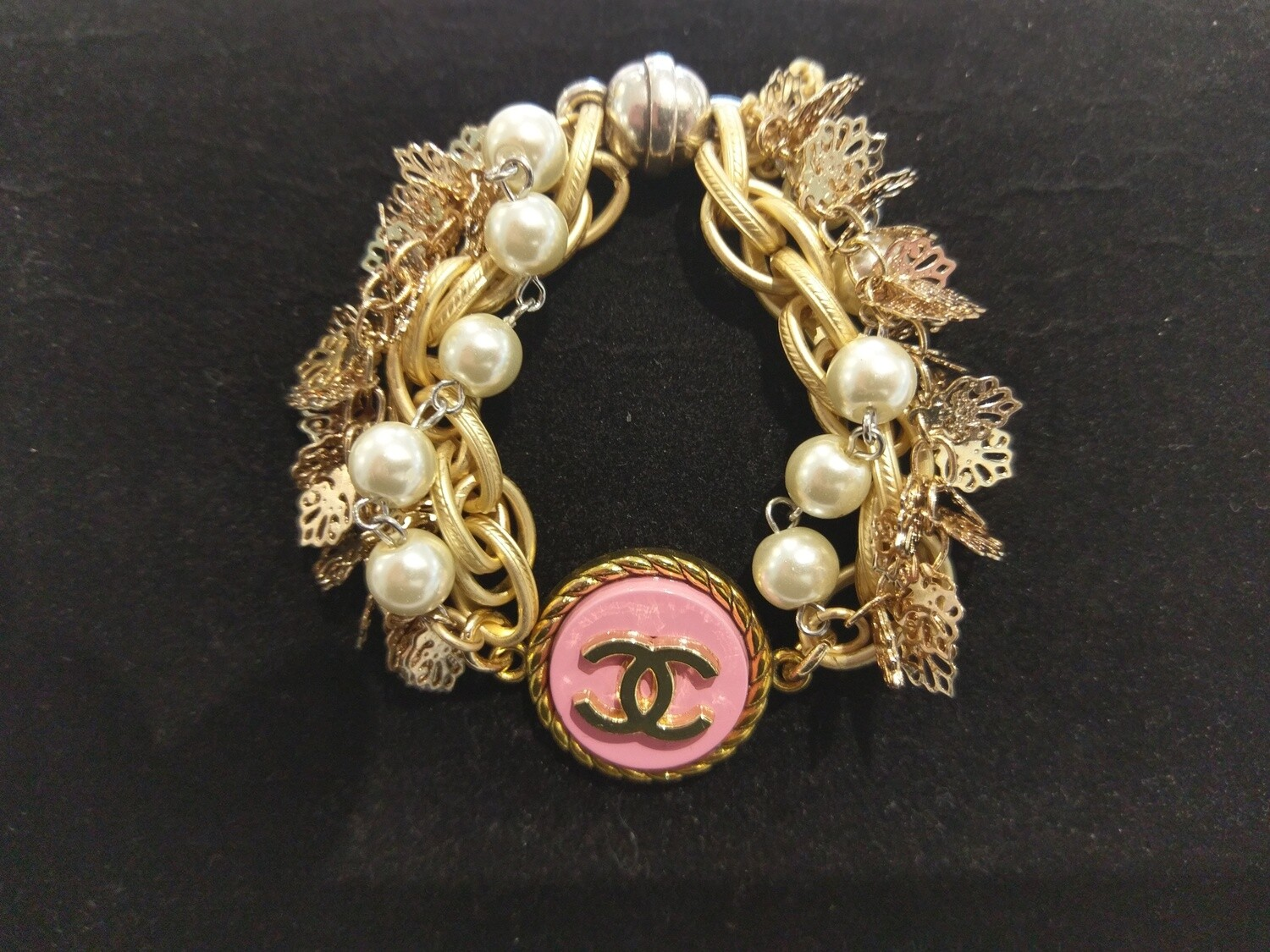 Vintage Chanel  Button Bracelet With Multi-Strands And Pink Button