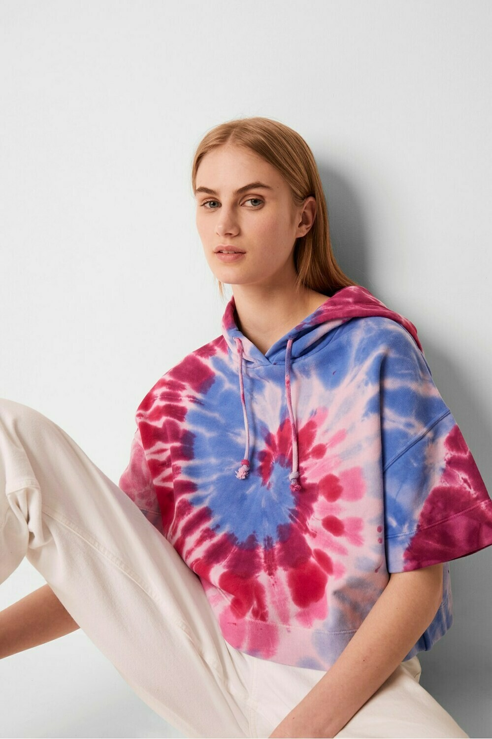 French Connection Prina Plume Jersey Short Sleeve Hoody in True Magenta Multi