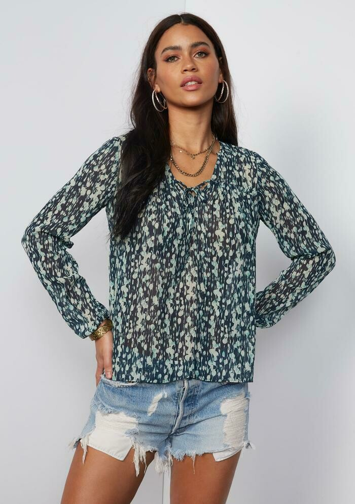 Tart Collections Adette Top in Abstract Berries