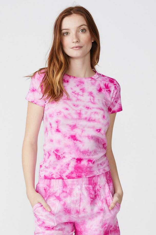 Monrow Crystal Tie Die Fitted Crew Tee Shirt In Fuscia