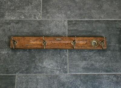 Garderobe aus einer antiken Wasserwaage 60cm