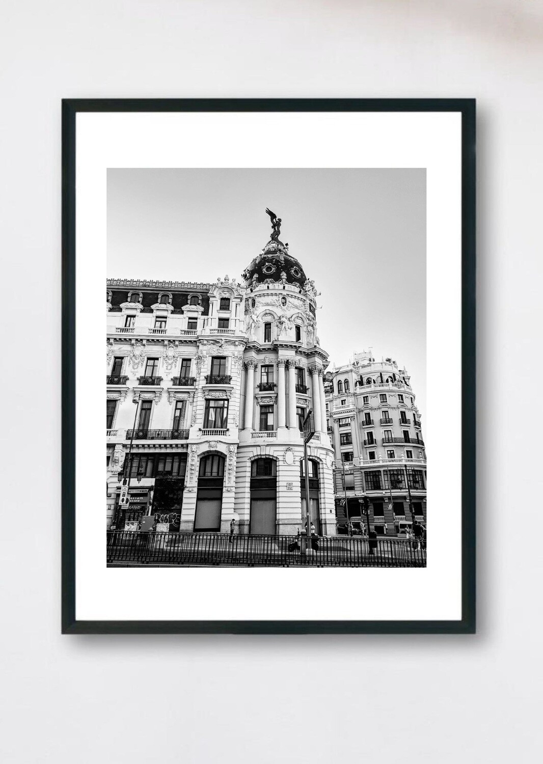 Madrid - Metropolis Black and White