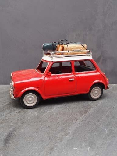 Petite voiture mini rouge