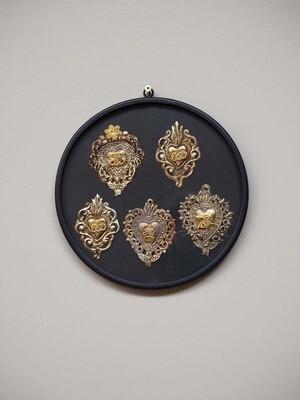 Cadre 5 EX VOTOS Coeurs Sacrés en metal embossé