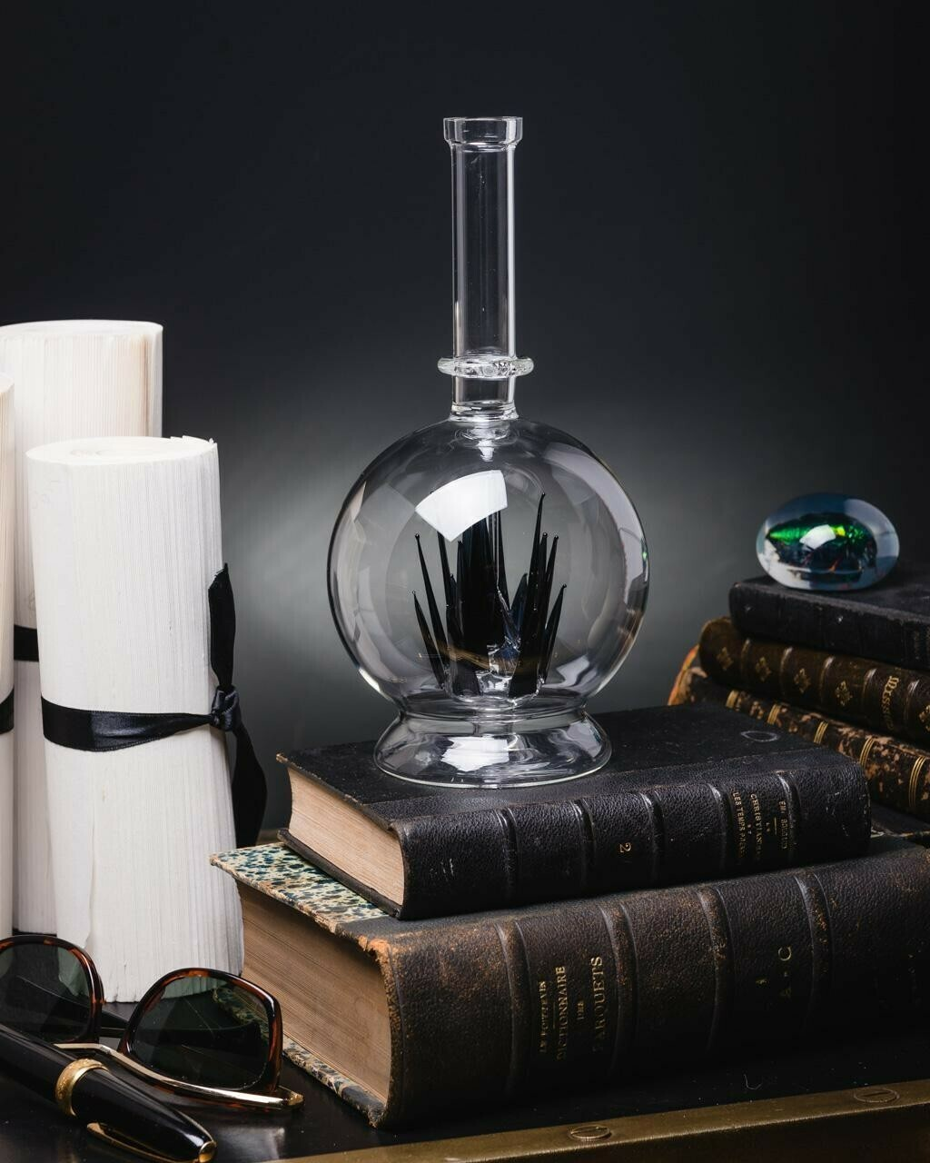 Flacon Bouteille ou Vase Cristaux de Verre Noir