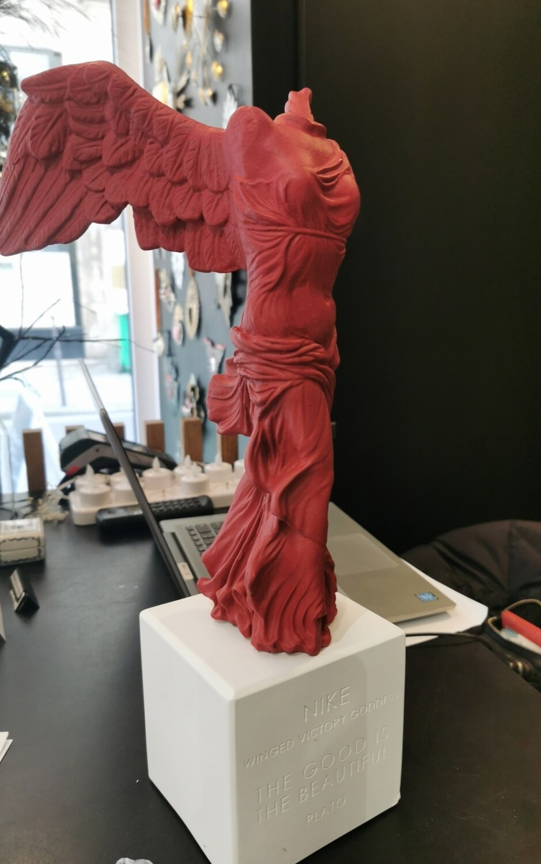 Nike of Samothrace XL RESERVEE POUR Leila MEKKI