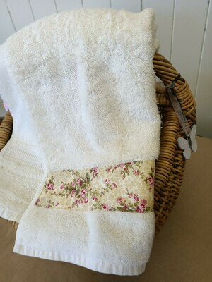 Cream Bath Towel with Floral Band