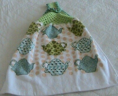 Hanging hand towel - Teapot theme - Crochet in green with contrasting trim