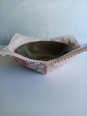 Pink Stripes & Flowers Bowl Potholder, reversible (does not include bowl) (ref # 179)