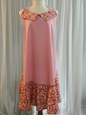 Apron - Pink with floral trim (ref # 84H)