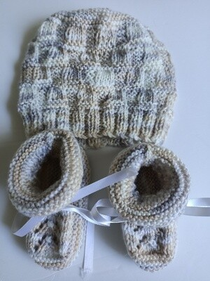 Beanie & Booties Set in Neutrals - Suit ages 0 to 3 months (ref # 207)