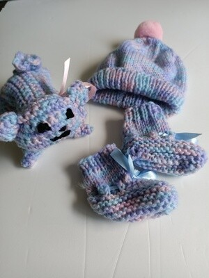 3 Piece Baby Set (Toy, Beanie, Booties) - Age 0 to 3 months (Ref # 209)