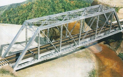 Central Valley 150' Through-Truss Bridge -- With Gussested Girders - Kit