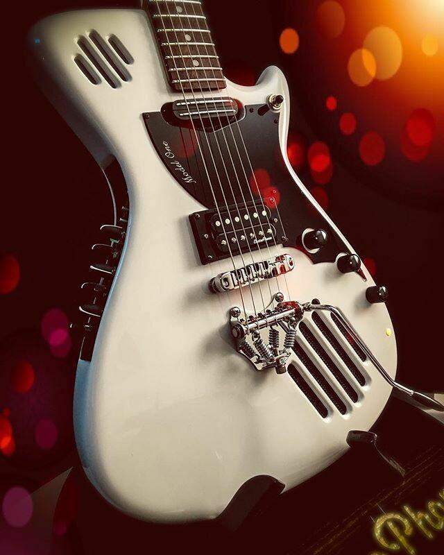 Model One™ Self-Amplified Guitar