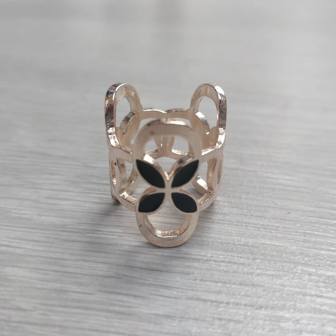 Scarf Ring - Black Flower