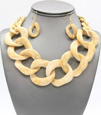 Unique Shell Type Rope Necklace Set