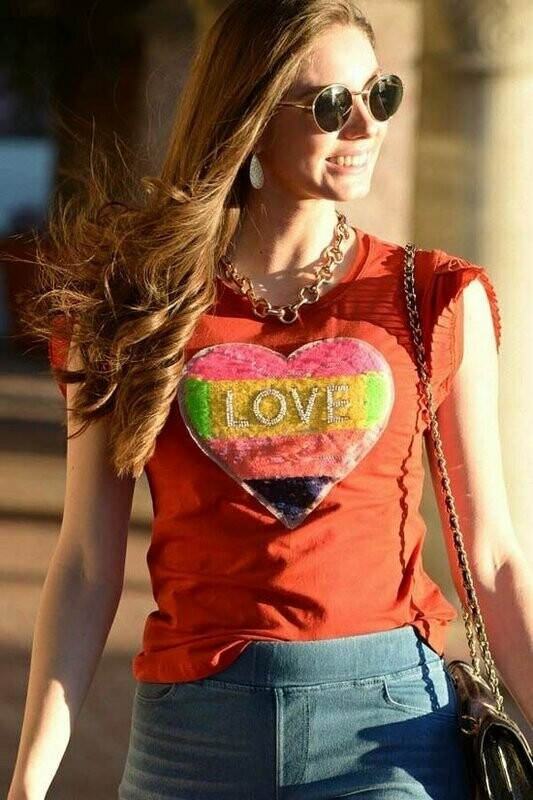 Soft cotton knit, crew neckline, pleated chiffon splicing sleeves with glitter love hearts-shaped , pair this t-shirt