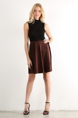 Solid, rib knit short skirt in relaxed style with elastic waist and pleats.