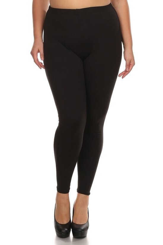 High rise, solid leggings with a gathered elastic waistband.
