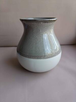 Ваза керамическая серо-белая 12*12,12,5