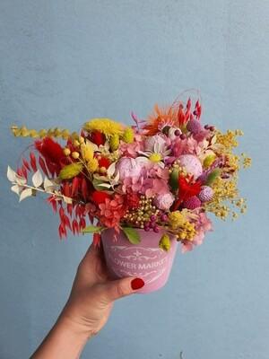 Композиция из сухоцветов и цветов ручной работы Flower Market