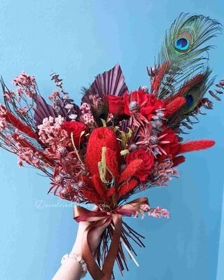 Букет из стабилизированных цветов Во имя розы