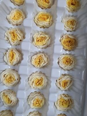 Роза желтая 2см пионовидная стабилизированная