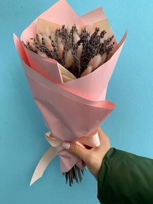 Букет лаванда с лагурусом в розовой упаковке