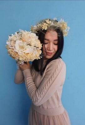 Bride's bouquet ivory