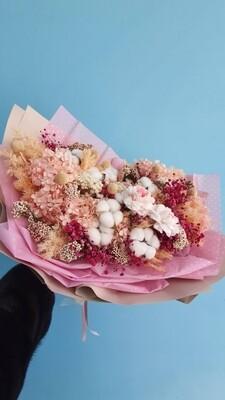 Букет неувядающий из стабилизированных цветов и сухоцветов цветочные облака