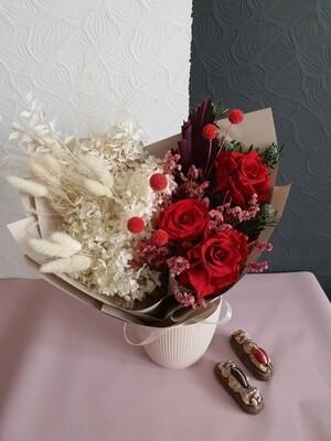 Букет Чистая Любовь из стабилизированных цветов