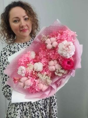 Букет неувядающий розовые мечты
