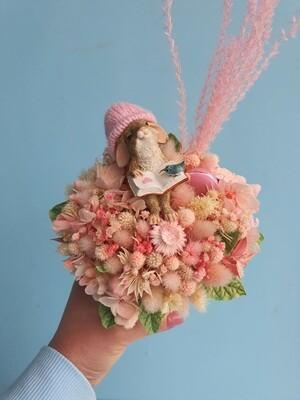 Композиция из сухоцветов Читающий Кролик