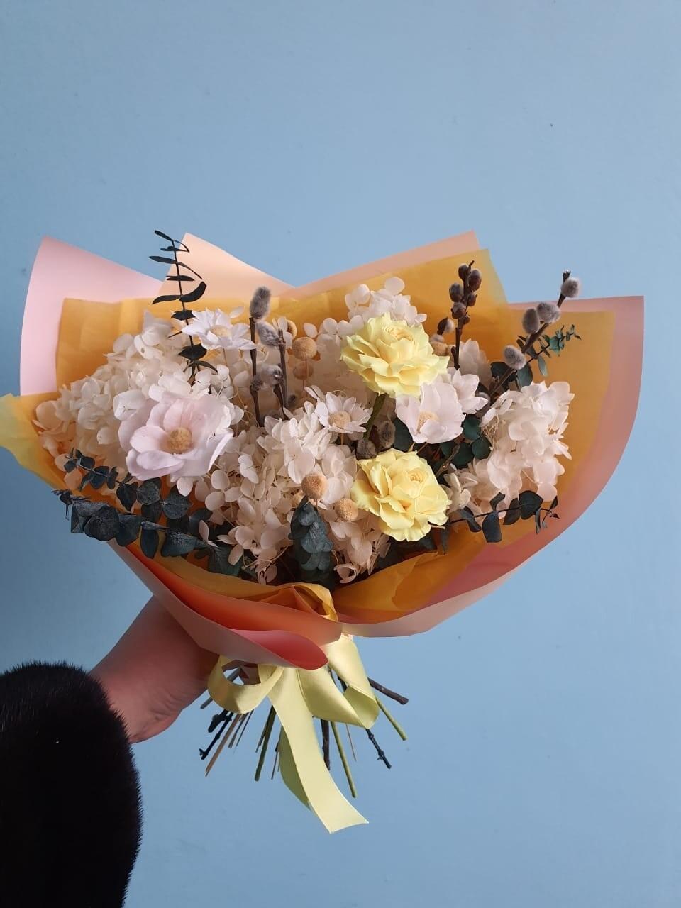 Букет из сухоцветов и стабилизированных растений весенний ручеек