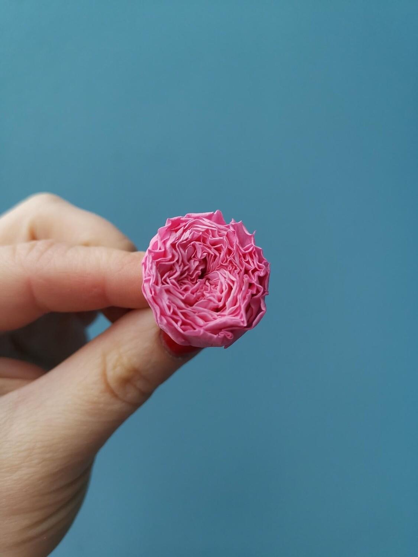 Роза розовая яркая 2-2,5см стабилизированная пионовидная