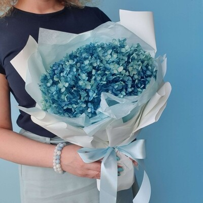 Bouquet Blue Cloud of Stabilized Hydrangea
