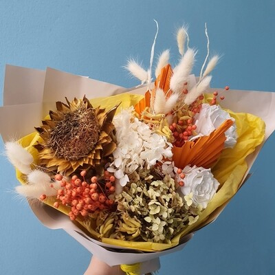 Bouquet Sunny mood of dried flowers